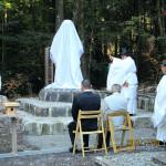 白鳥神社にて開催された日本武尊石像除幕式の模様