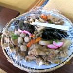 儀式の後、参加者に料理が振る舞われました