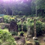 歴代住持の供養塔群