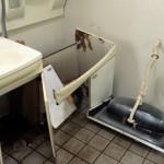 洗面台の撤去